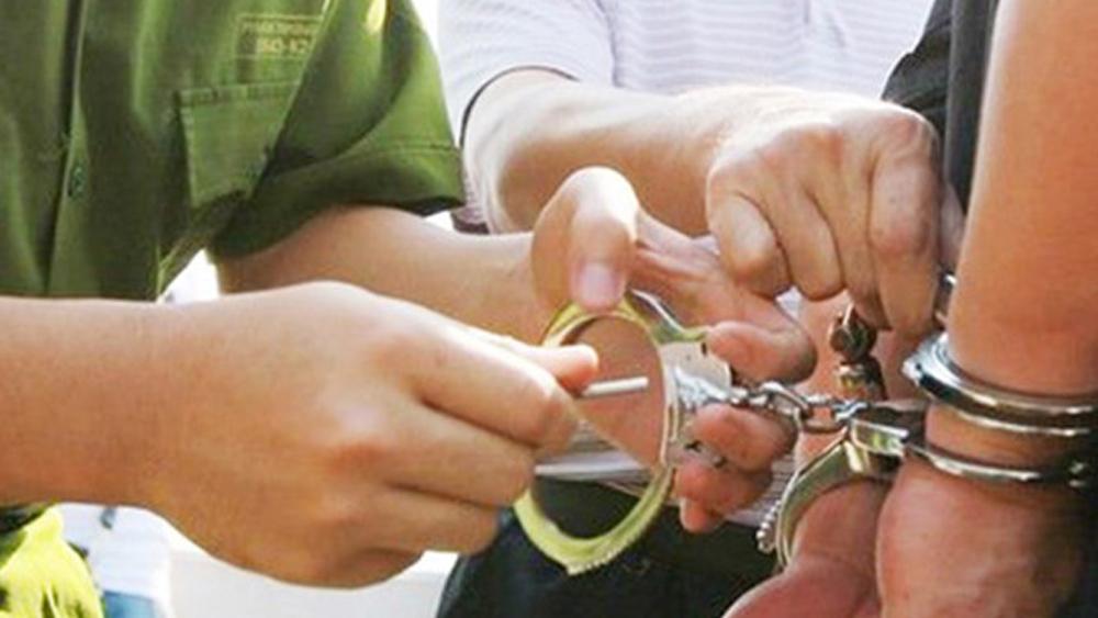 Bắc Giang: Tạm giữ hai thanh niên sử dụng ma túy hiếp dâm phụ nữ 64 tuổi